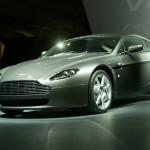 Aston Martin V8 fait surface: le charme opère