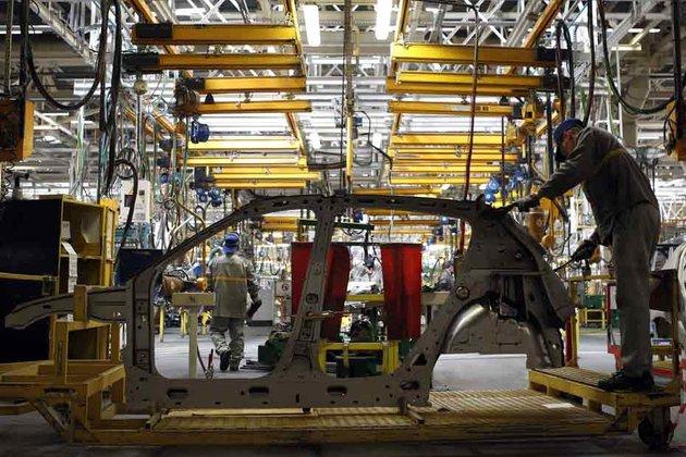 03.07.Auto.usine.voiture.Renault.930.620_scalewidth_630