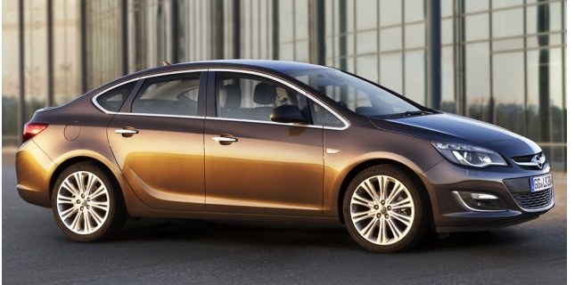 Opel New Astra 4 Portes