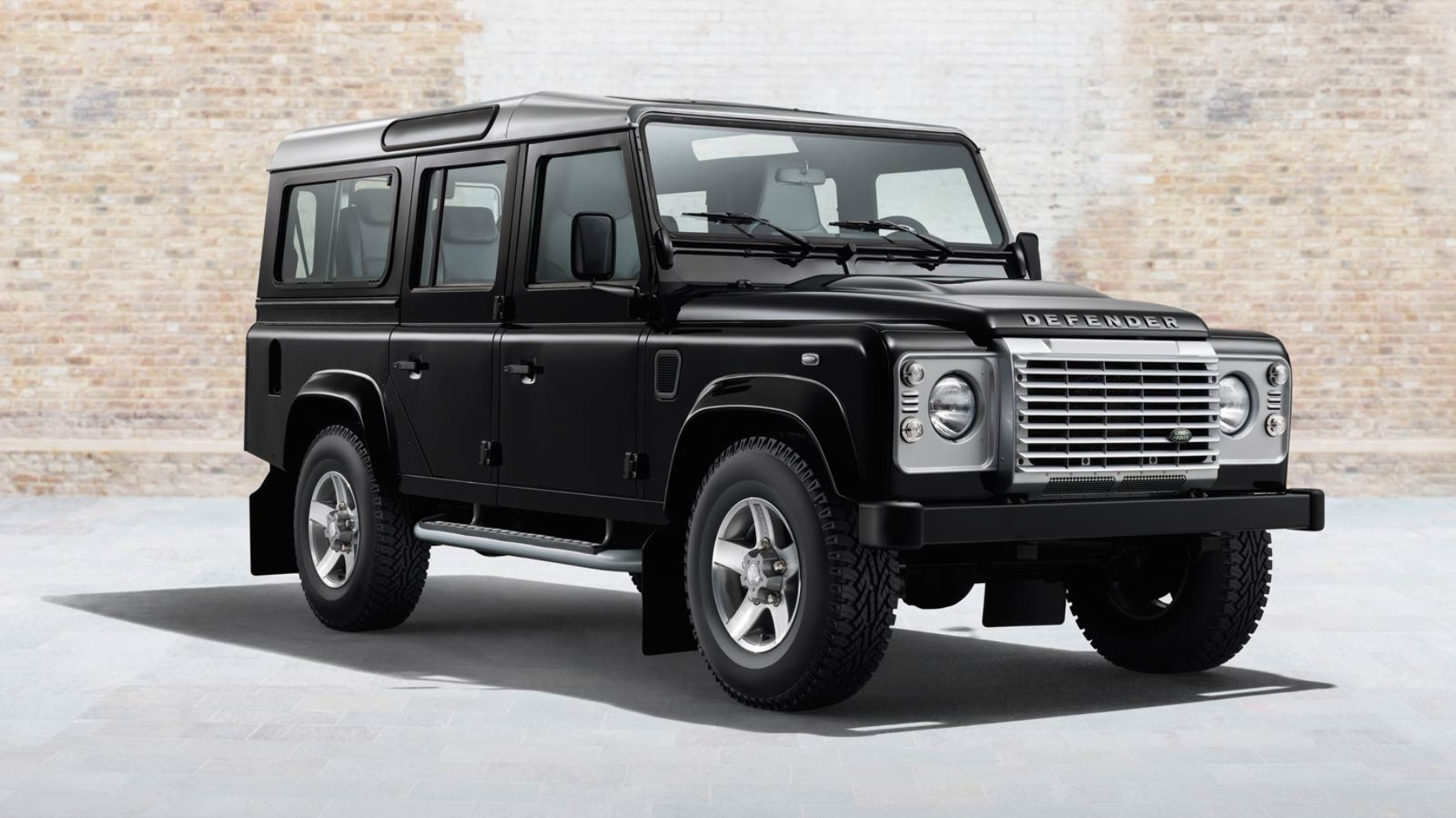 prix du neuf land rover defender 2016 en algerie fiche technique d taill e autojdid. Black Bedroom Furniture Sets. Home Design Ideas